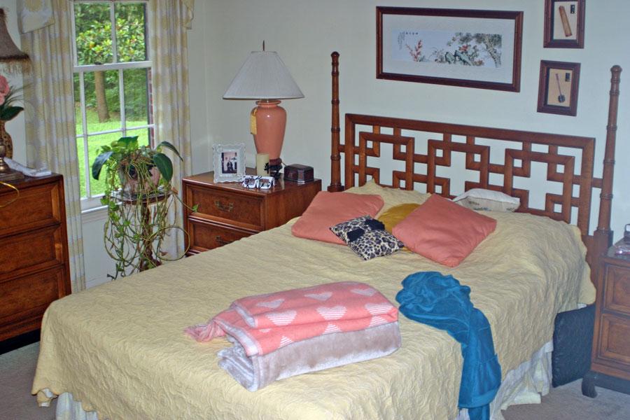 Oriental Themed Bedroom Suite Harmon Estate Sale